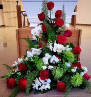 LARGE ARRANGEMENT RED AND WHITE